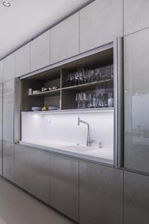 kuchyn-zasouvaci-dvere-do-boku-683x1024.