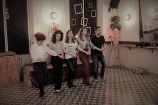 greek dans.jpg