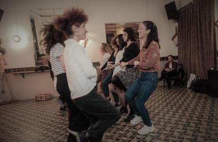 yunan dansı.jpg