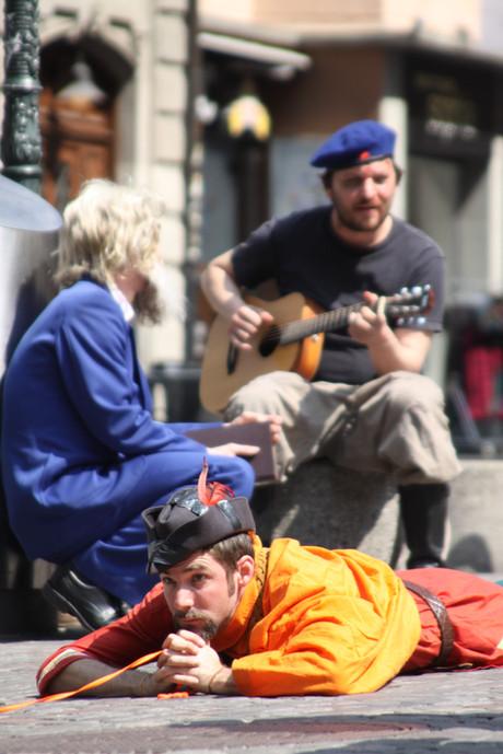 Performance «wir sind arm» / Cartias Zürich