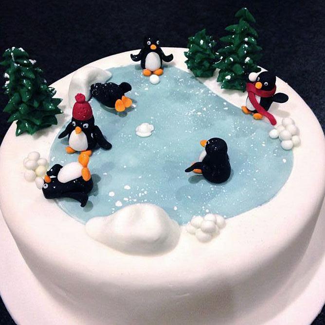 Christmas Penguin Cake Pops