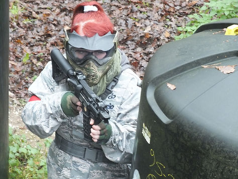 AIRSOFT GIRL WITH G&G FIREHAWK AT BATTLE AIRSOFT CQB CENTRE