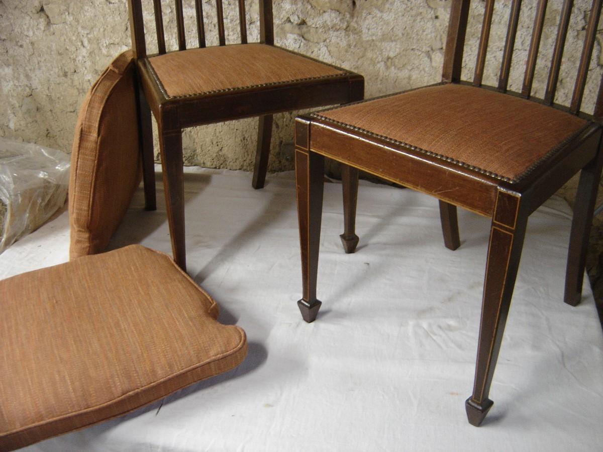 Chaises et galettes pour fauteuils
