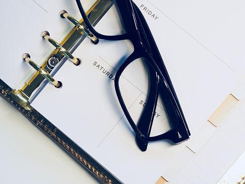 black-framed-wayfarer-style-eyeglasses-o