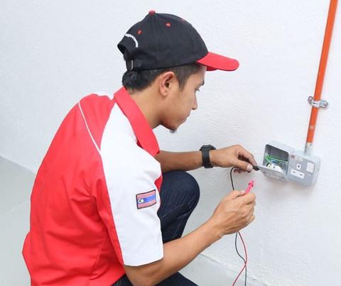 DIY - Replacing damaged Socket Outlet