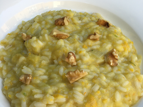 Risotto with yellow courgette and flowers