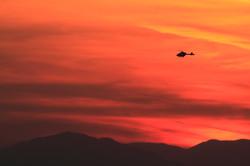 夕焼けのヘリコプタ