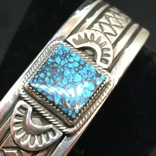 STERLING SILVER BRACELET WITH CLOUD MOUNTAIN