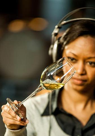 Natasha Williams white winemaker.jpg