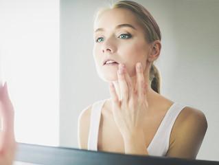Menstruación y acné, ¿cómo cuidar tu piel durante la regla?