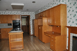 LEAWOOD SOMMIER KITCHEN BEFORE