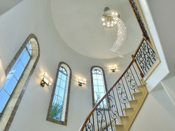 Hudson on the Bend - Foyer/Staircase
