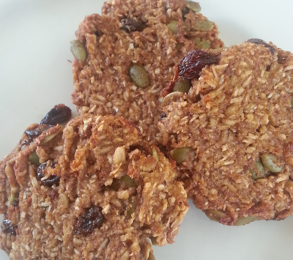 Oatmeal cookies with pumpkin seeds and raisins