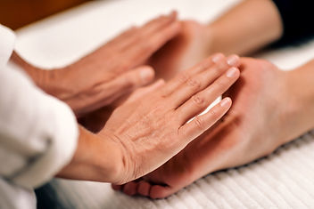 reiki-foot-treatment-A7N56F9_edited.jpg
