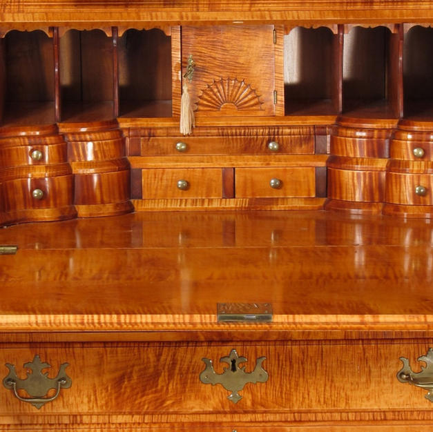 Gallery Details, Curly Maple