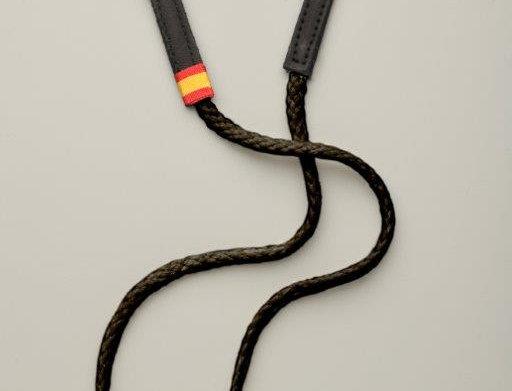 Cuelga-mascarilla Negra con bandera