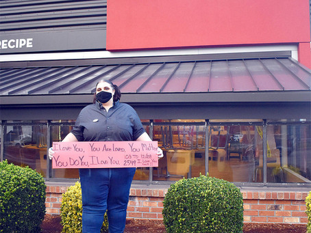 Wendy's manager is spreading love to the drive-thru customers, one 'I love you' at a time