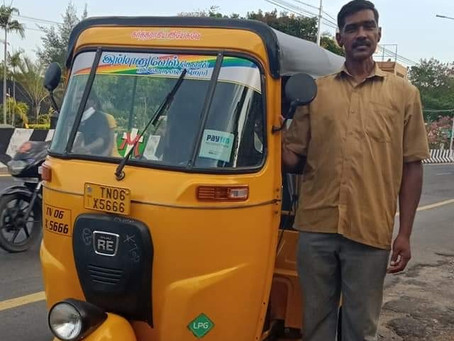 An auto-driver, N. Basker, from Chennai is running a pet auto service for our paw friends