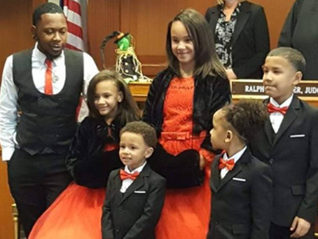 Robert Carter, a single foster dad adopts 5 siblings to keep the family together