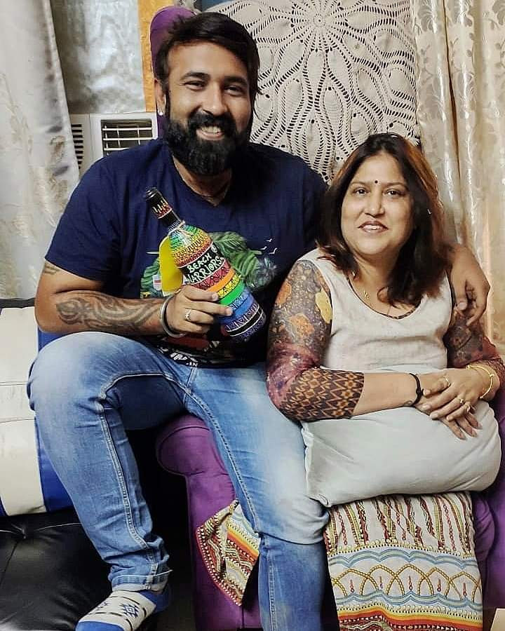 Image of Chinu Kwatra with his mother