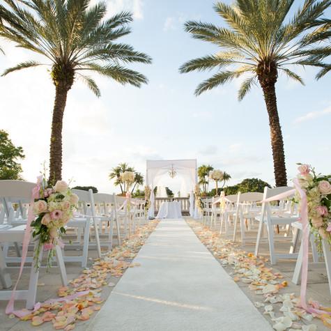 Glamorous Blush Wedding at Diplomat County Club