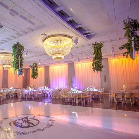 Natural + Neutral Wedding at Emanuelle Luxury Venue