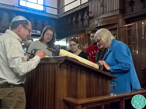 Volunteers on a visit to Cardiff Reform Synagogue.