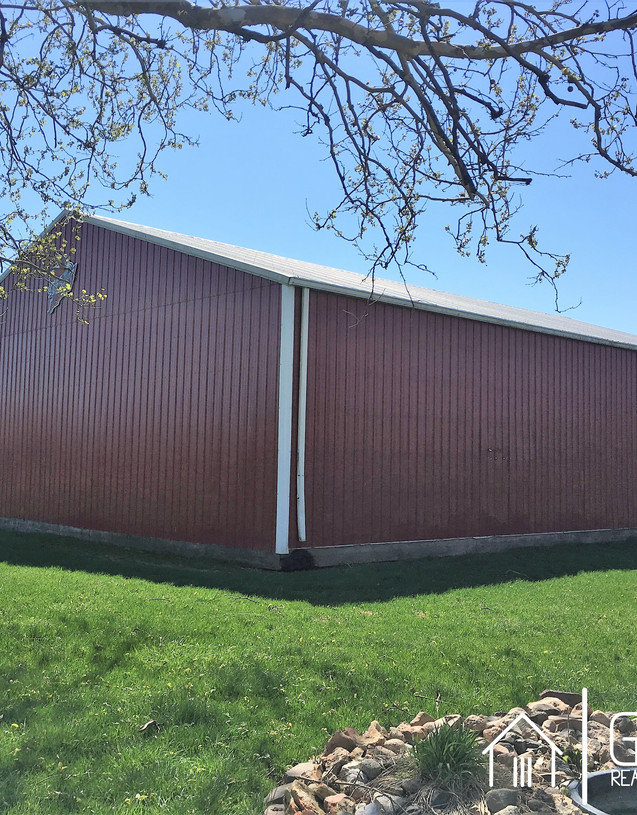 w19 -26114 Red Shed1.jpg