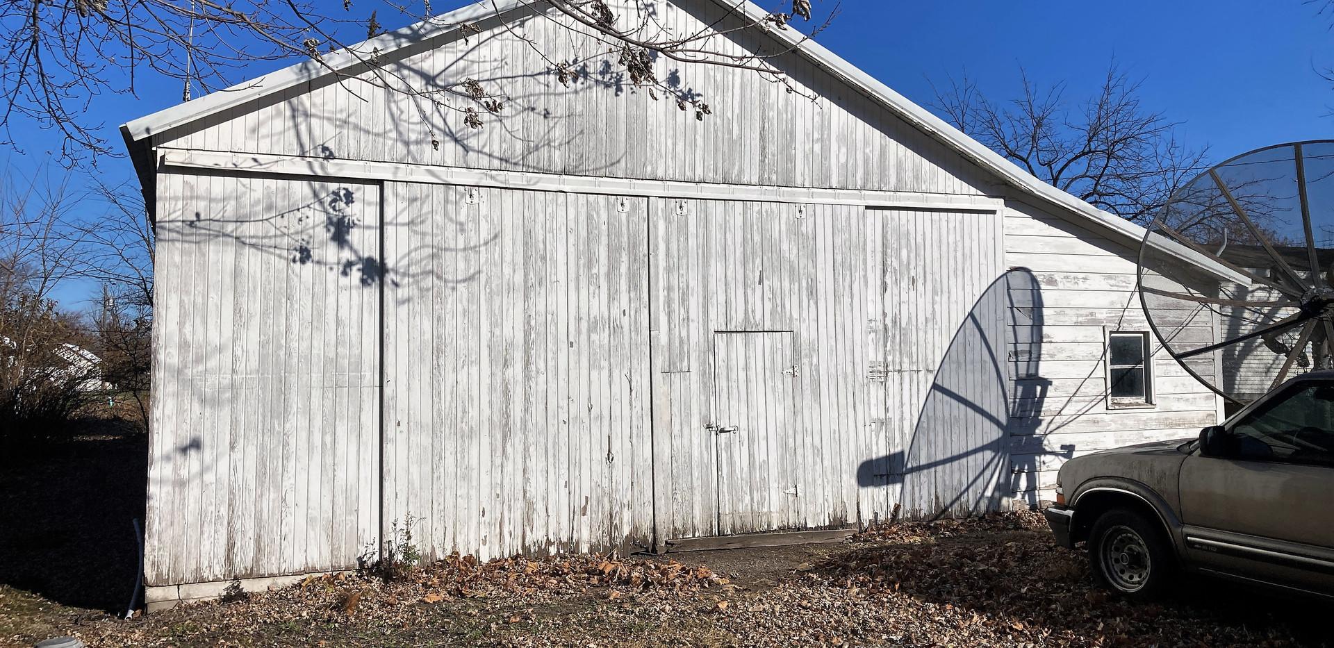 w21-310-Garage1.jpg