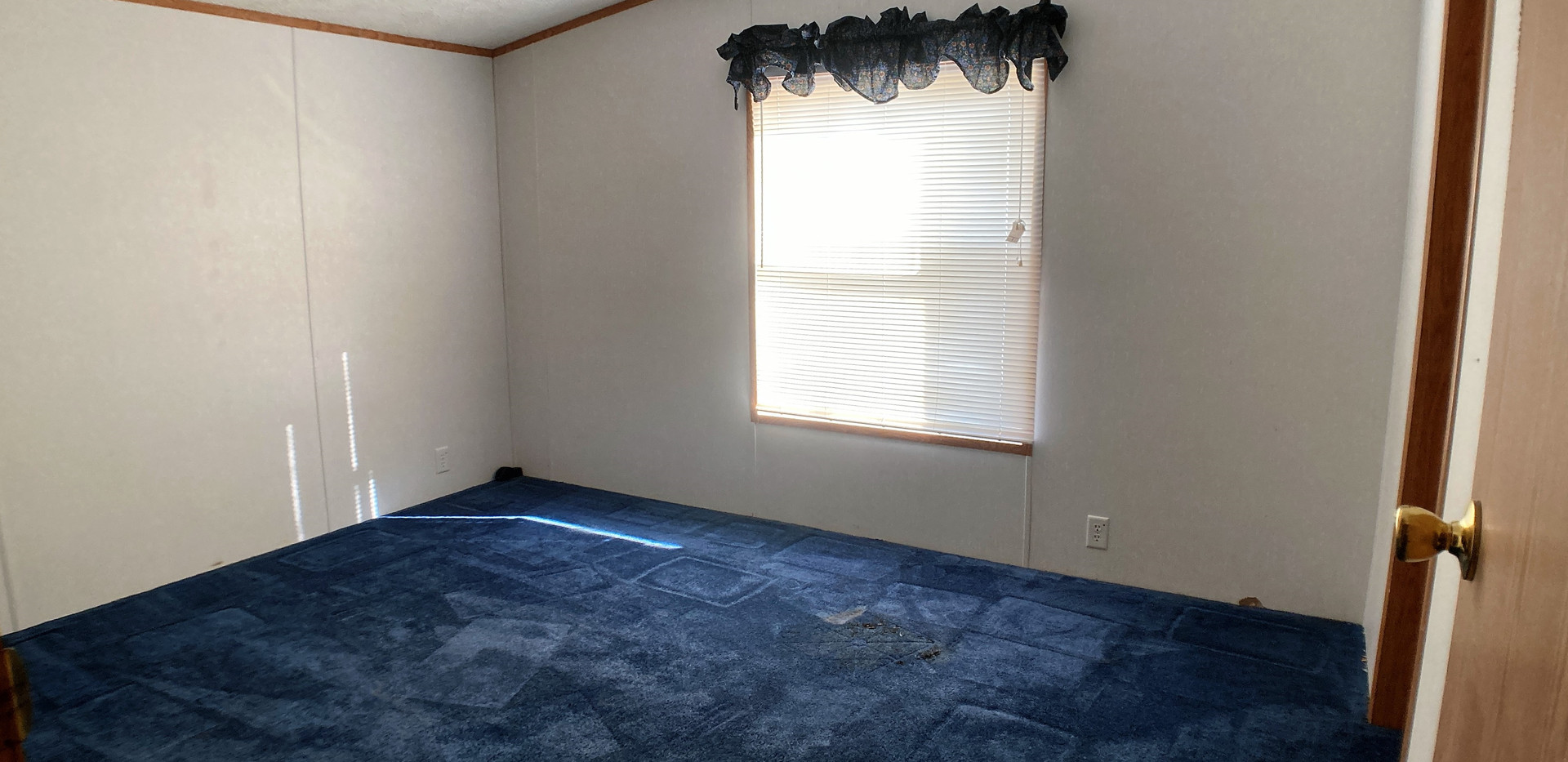 w13-310-Bedroom1.jpg