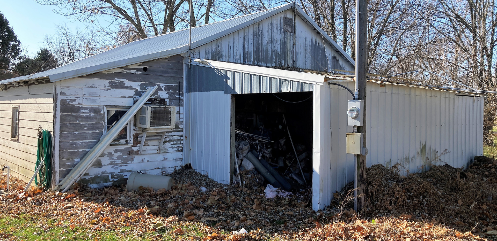 w23-310-GarageBack2.jpg