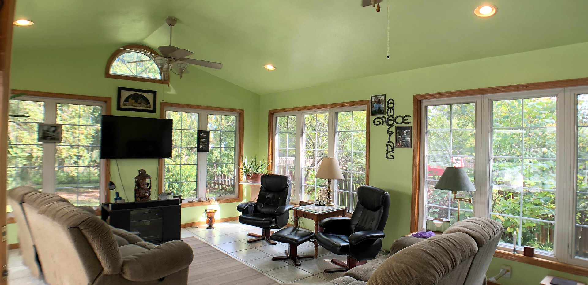 w7-309Sunroom2.jpg