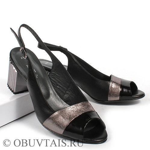 Женская обувь большого размера