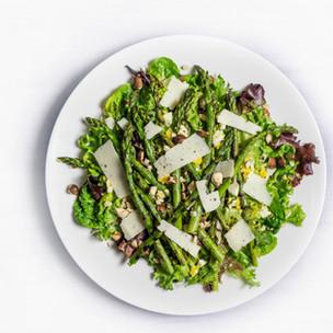 Verduras e salada de pecorino