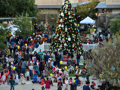 LaCenterra 11 Annual Tree Lighting Celebration