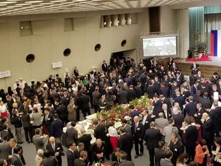 霊友会新春懇話会にて、130インチスクリーンと10000lmプロジェクターが活躍
