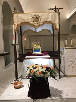 Arrivée des Reliques de Sainte Genneviève dans notre paroisse, accueillies par les enfants du patron