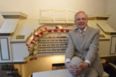 Len Rawle organist.jpg