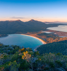 The Best of Tasmania: Bay of Fires, Wineglass Bay, and More