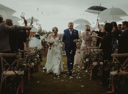 Italian Villa Dream Wedding | Tuscany | Pros and Cons of a Destination Wedding