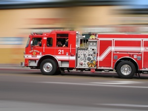 fire_engine_truck_speeding_to_the_rescue_0001-0503-2200-4858_SMU.jpg