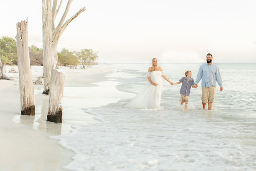 maternity_beach_family_photos.jpg