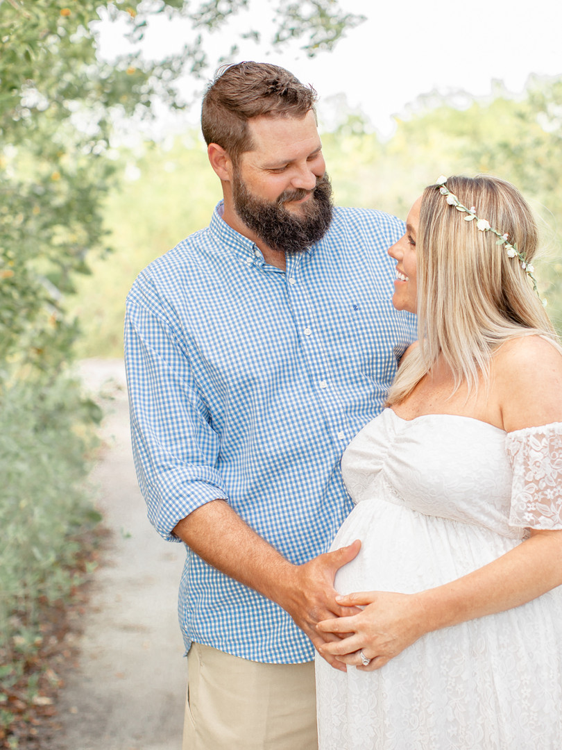 maternity_couple_beach_family_photos.jpg
