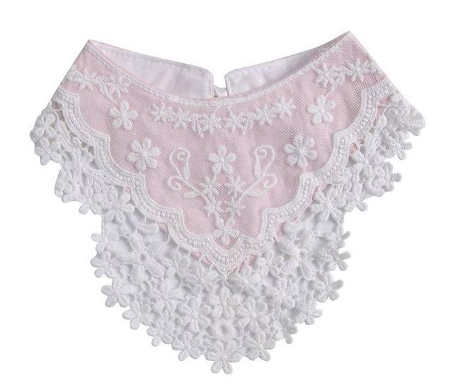 Lucy Lace Bandana Bib (One Size) Pink