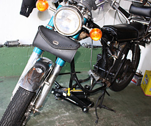 cb350_framewithengineout.jpg