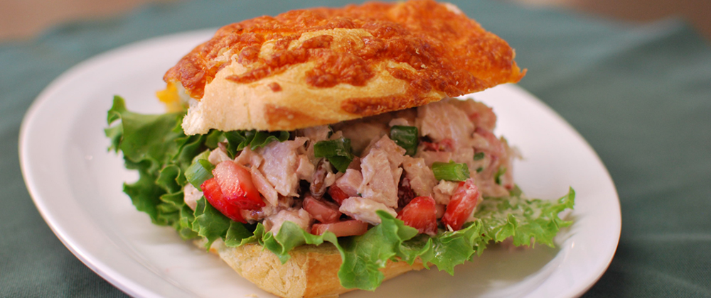 Retreat-Food-Balsamic-Vinegar-Turkey-Sandwhich.jpg