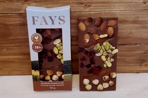 Tablette de chocolat au lait aux fruits et noix