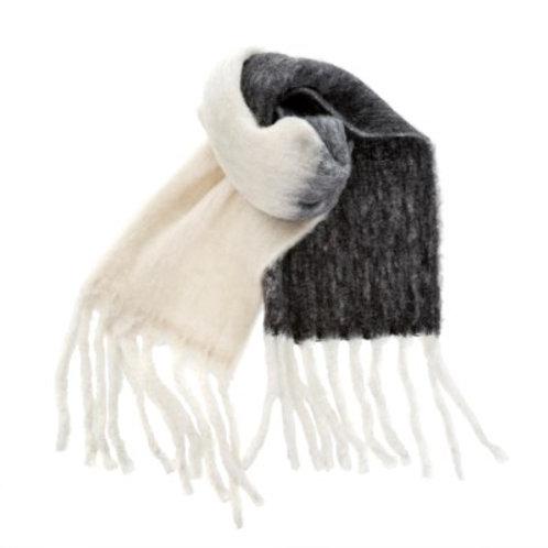 Foulard de laine noir et crème
