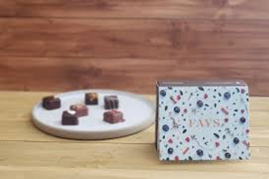 Boîte de 6 chocolats, saveurs variées