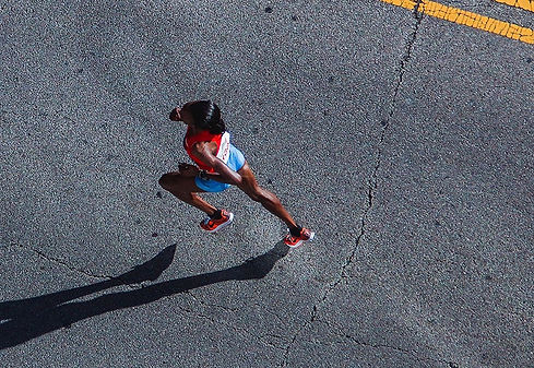 person-road-asphalt-shadow-runner-extrem